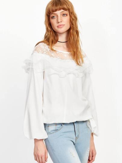 Blusa con detalle de malla bordado con volantes - blanco