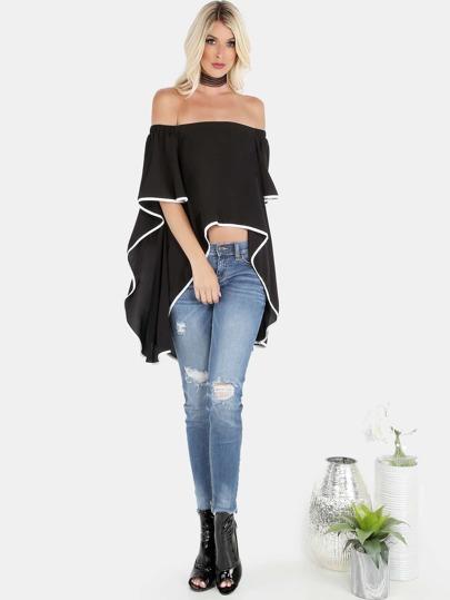Top con hombros al aire y diseño cascada - negro