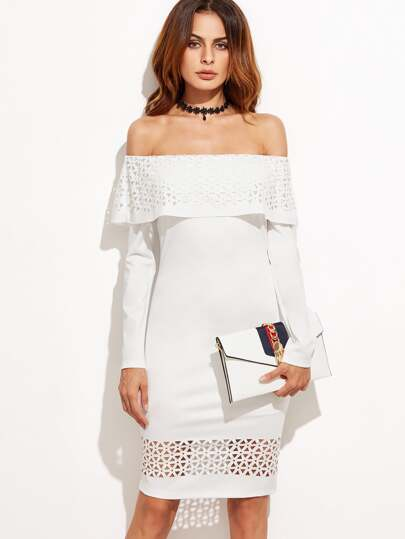 Белое модное платье с открытыми плечами с воланами