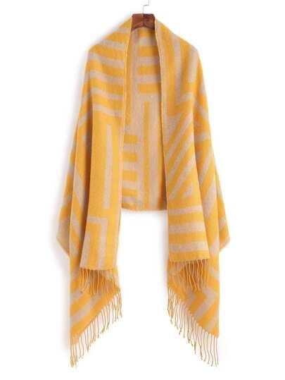 Жёлтый полосатый шарф-накидка с бахромой