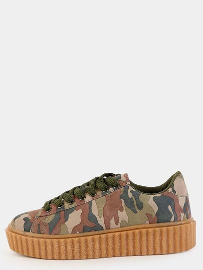 Sneakers en suédine avec lacet - couleur camouflage