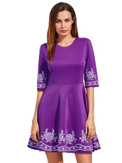 Violet brodé moitié manches Flare Dress