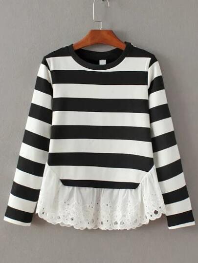 T-shirt mit Streifen Kontrast Spitze Saum-schwarz und weiß