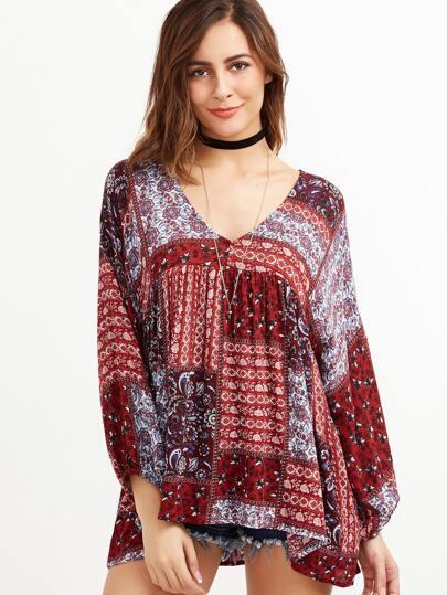 Blusa con estampado étnico con cuello en V - multicolor