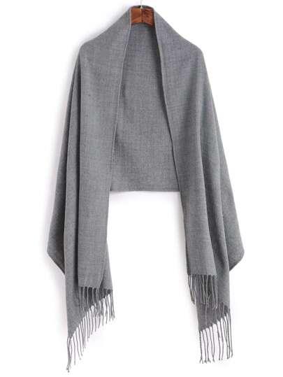Серый полосатый шарф-накидка с бахромой
