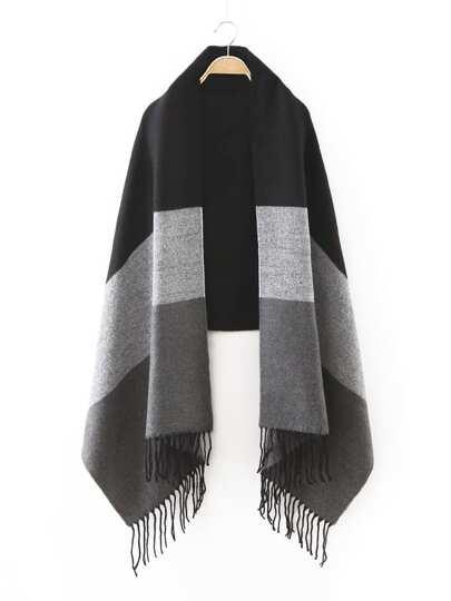 Модный контрастный шарф с бахромой