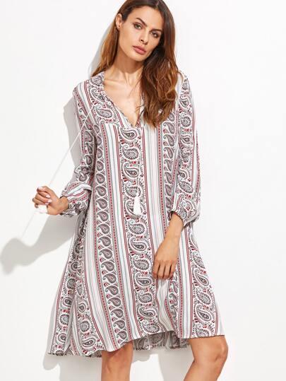 Mehrfarbiges Paisley-Druck-V Ansatz-Franse-Detail-Kleid