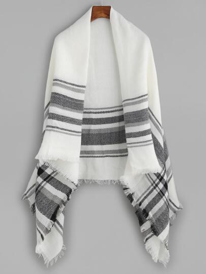 Чёрно-белый клетчатый шарф шалью с бахромой
