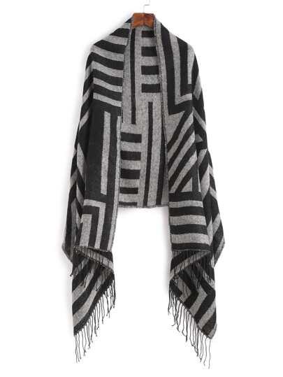 Чёрный полосатый шарф-накидка с бахромой