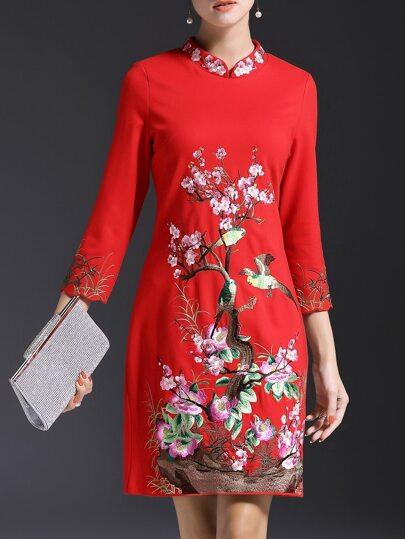 Robe à collier brodé floral -rouge