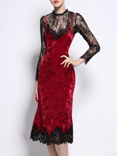 Vestido ajustado de terciopelo con malla y encaje - rojo