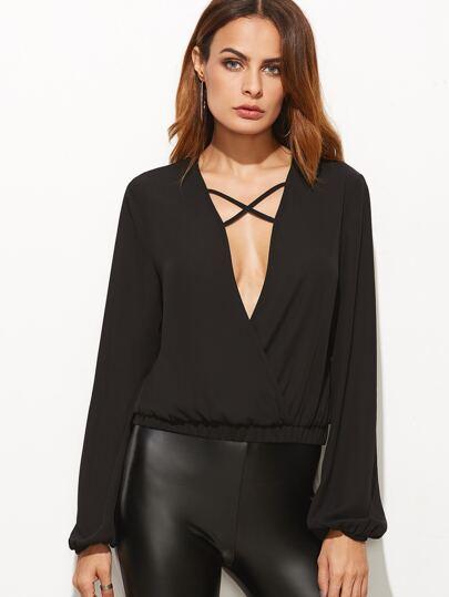 Blusa con escote V profundo y tiras cruzadas - negro