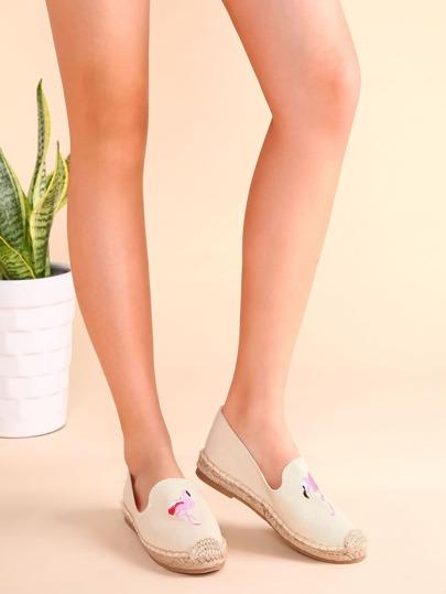 Schuhe mit Kran Stickereien-beige