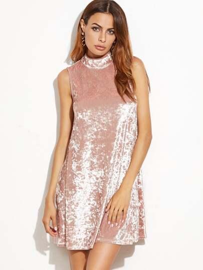розовое бархатное платье без рукавов