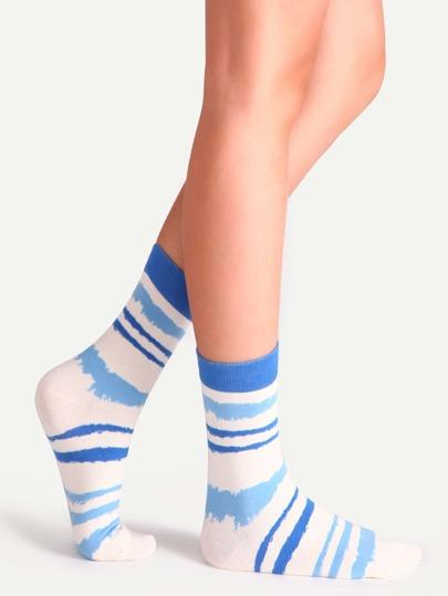 جوارب مخططة زرقاء