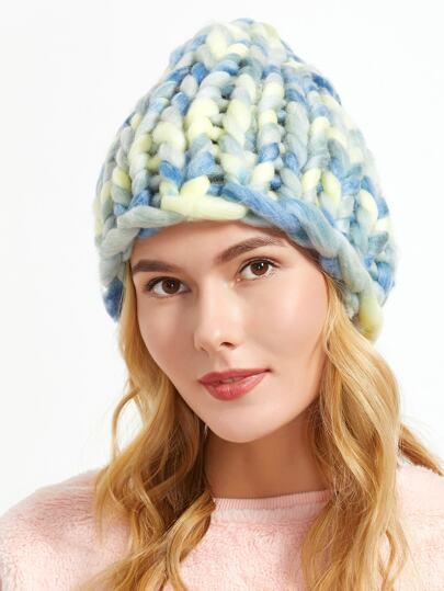 синяя ручная вязаная шапка
