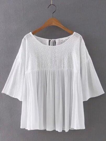 Blusa de manga acampanada con bordado y cordón en espalda - blanco