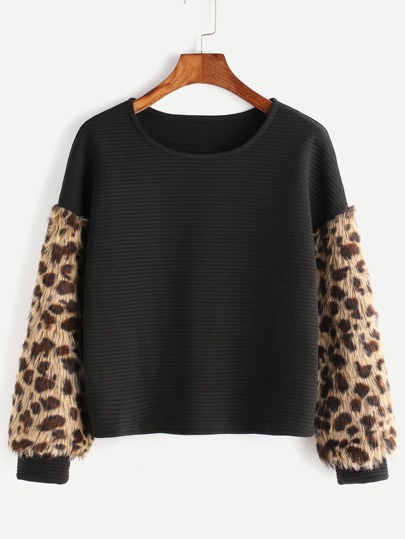 Black Ribbed Sweatshirt With Leopard Faux Fur Sleeve