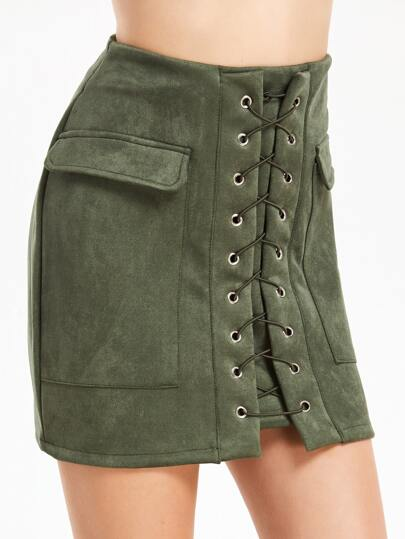 Falda con cordones y bolsillos