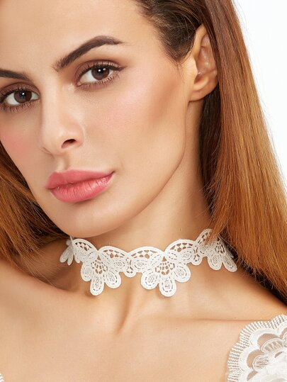 White Scalloped Hollow Out Lace Choker Necklace