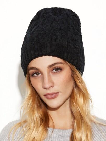 قبعة محبوكة سوداء