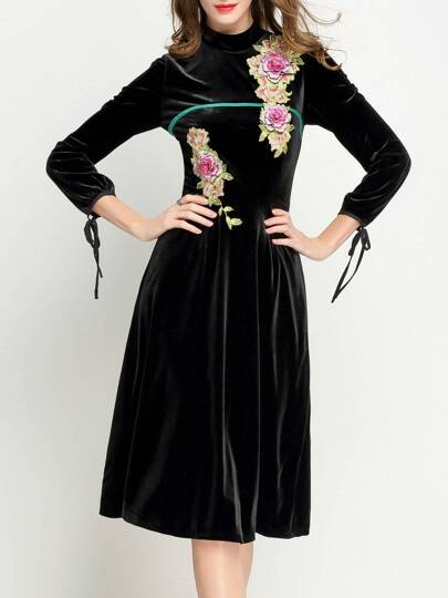 Black Collar Velvet Applique Pouf Dress