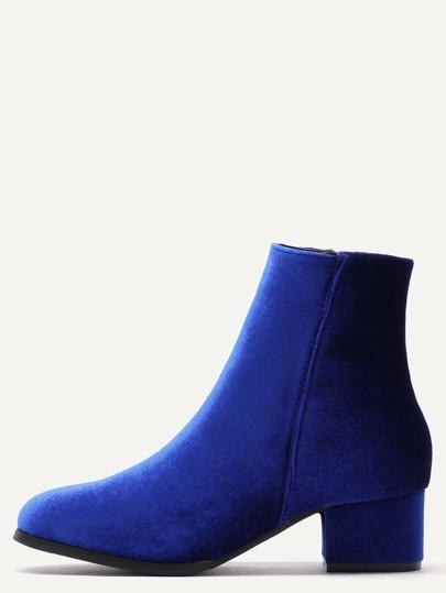 синие бархатные ботинки на грубых каблуках