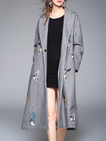 Серое длинное пальто с вышивкой птицы с отворотом