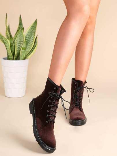 Botas de terciopelo con puntera redonda - marrón