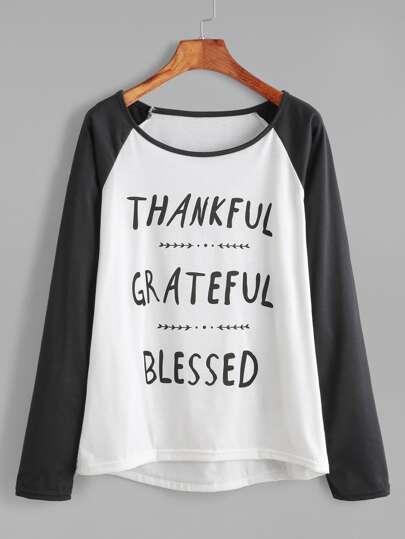Camiseta de manga raglán con estampado de letras