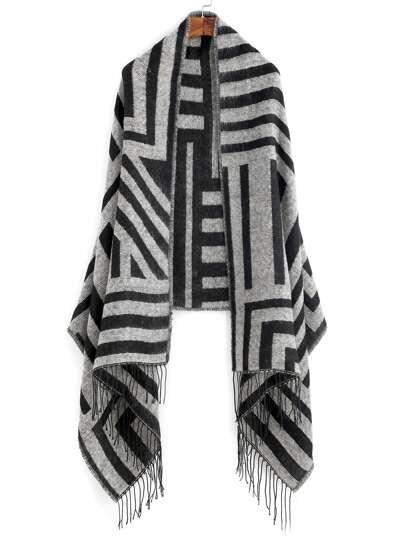 Чёрно-серый полосатый шарф шалью