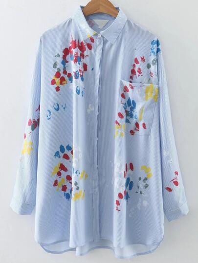 Blusa asimétrica a rayas con estampado y bolsillo - azul