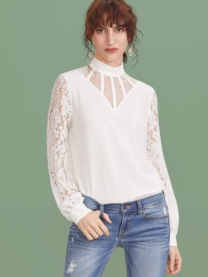 Blusa con cuello de malla y manga de encaje - blanco