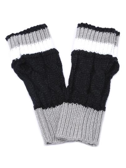 Чёрно-серые вязаные перчатки