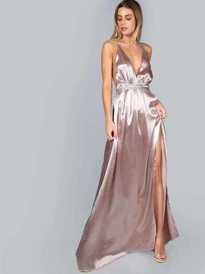 Vestido de tirantes con escote profundo y abertura alta - rosa