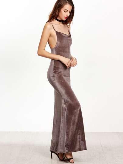 Vestido de terciopelo con tirantes y cola de pez - café