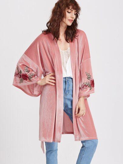 Kimono de terciopelo con bordado floral y cinturón - rosa