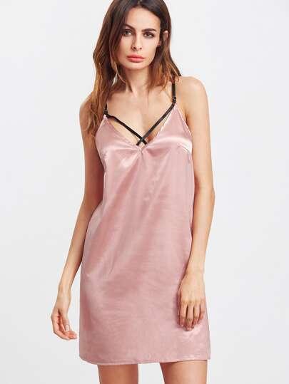 Vestido sedoso escote V de tirantes - rosa