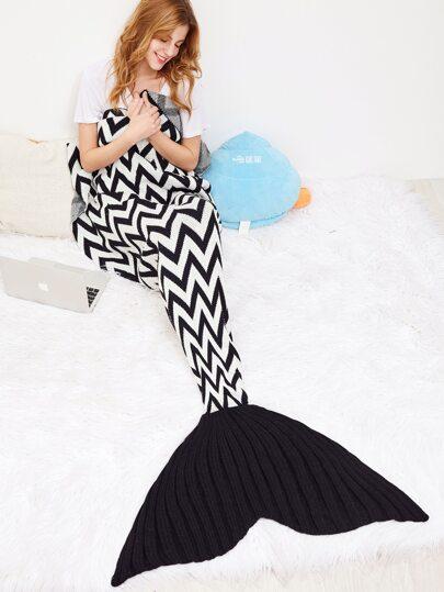 Wave Streifen Häkelfisch Dail Decke-schwarz und weiß