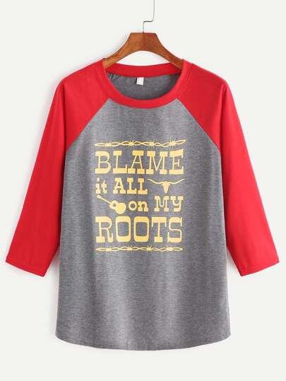 Camiseta de manga raglán con estampado de letra