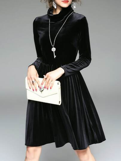 Black Collar Pleated Velvet Dress