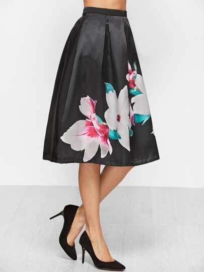Чёрная юбка клёш с цветочным принтом
