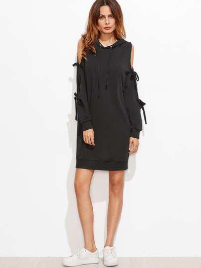 Чёрное модное платье с капюшоном с открытыми плечами