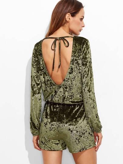 Оливково-зелёный бархатный комбинезон с открытой спиной