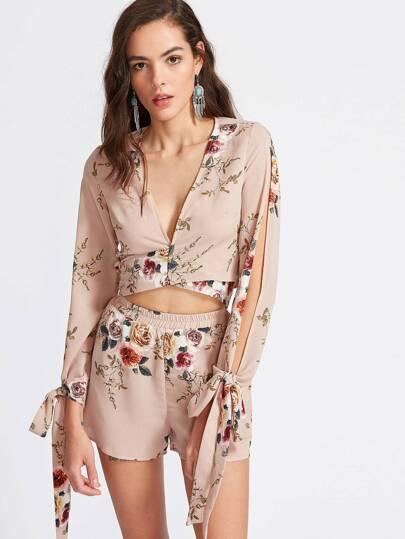 Blusa con estampado floral y lazo con pantalones cortos - albaricoque