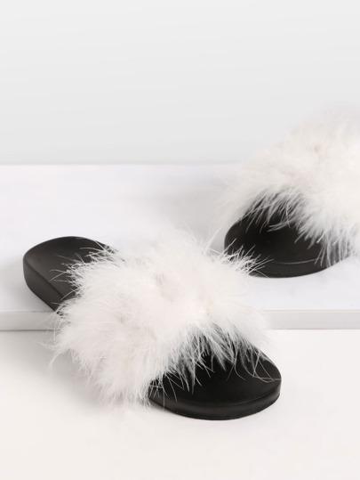 Pantuflas con piel sintética - beis