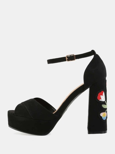 Criss Cross Embroidered Platform Heels BLACK