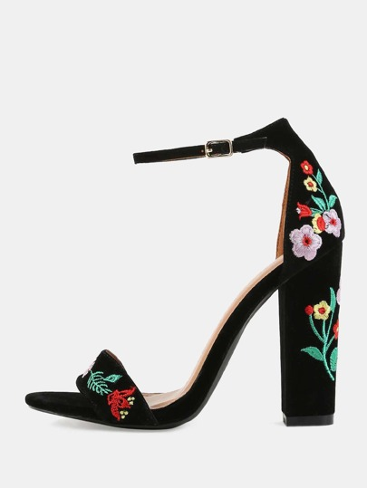 Embroidered Open Toe Chunky Heels BLACK