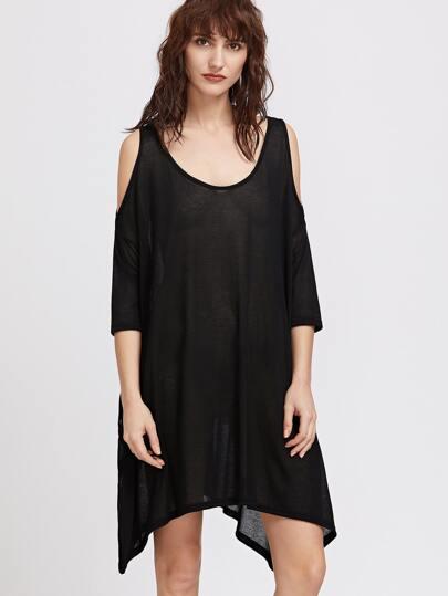 Vestido asimétrico con hombros al aire y abertura lateral - negro