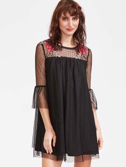 Vestido con malla y bordado de rosa - negro
